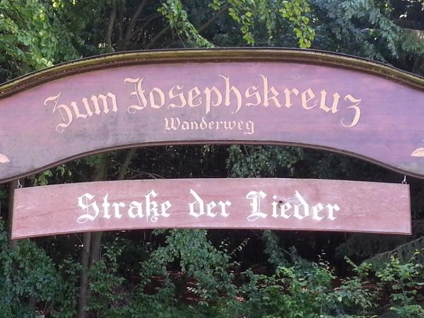 Startpunkt der Straße der Lieder am Harzhotel Schindelbruch