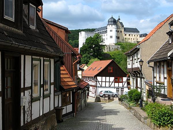 Blick von der Töpfergasse zum Stolberger Schloss