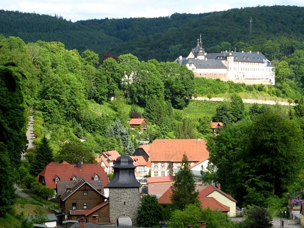 Blick auf das Stolberger Schloss und zum Rittertor