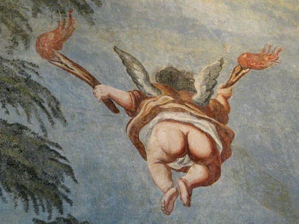 bei der Restaurierung entdeckte Fresken im historischen Treppenhaus des Stolberger Schlosses
