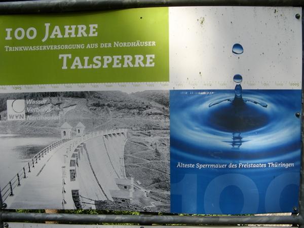 Talsperre Neustadt Tafel zur über 100 jährigen Geschichte