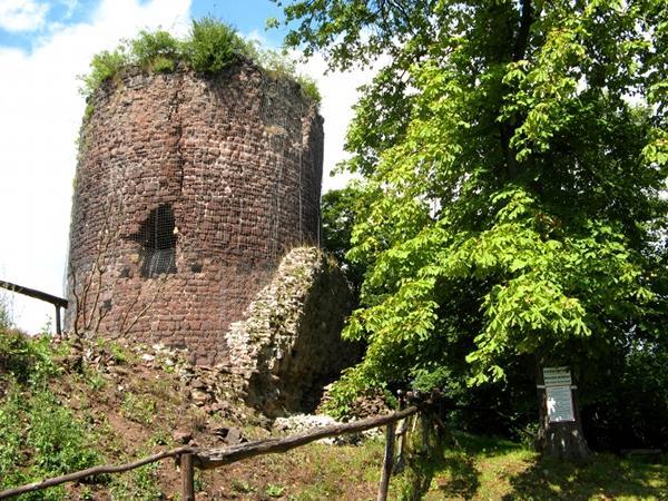 Bergfried der Ebersburg