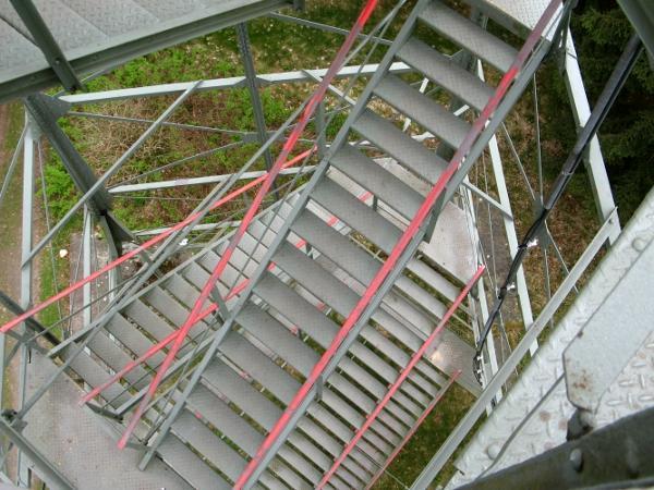Verschlungene und schindelerregende Treppen auf den Poppenturm