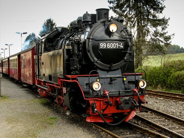 Dampflokomotiven machen in Stieges Bahnhof oft halt